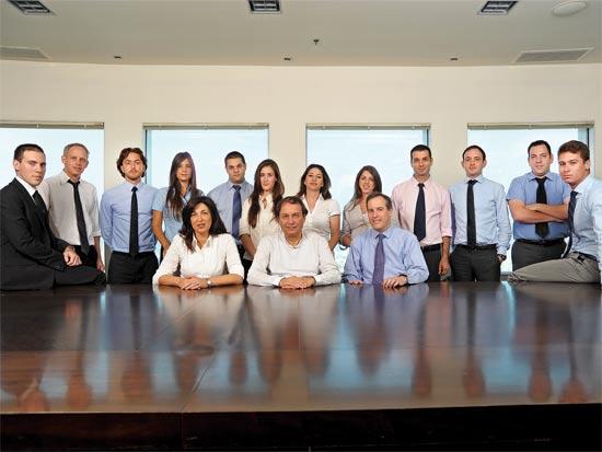 עורכי הדין במשרד גרוס קלינהנדלר חודק / צלם: איל יצהר